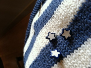 blue and white star-shaped buttons