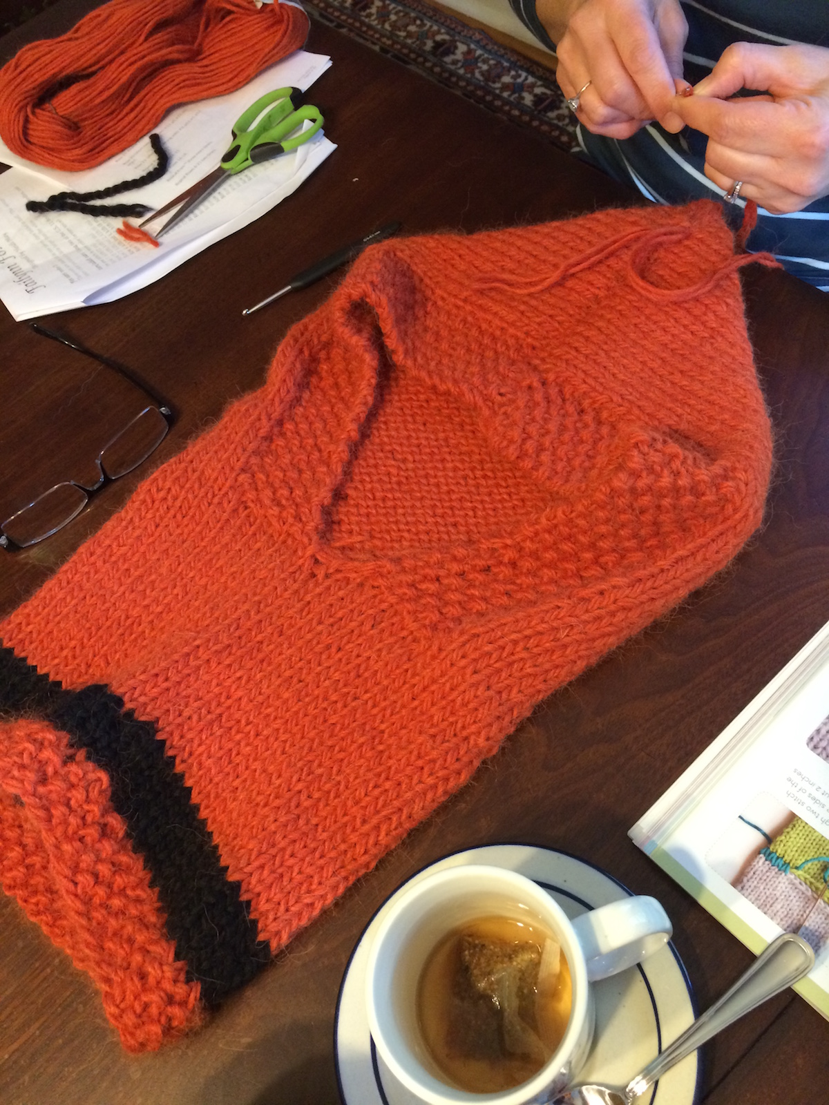 fox-hood-cowl-seaming
