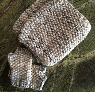 gaptastic-cowl-fingerless-mitts