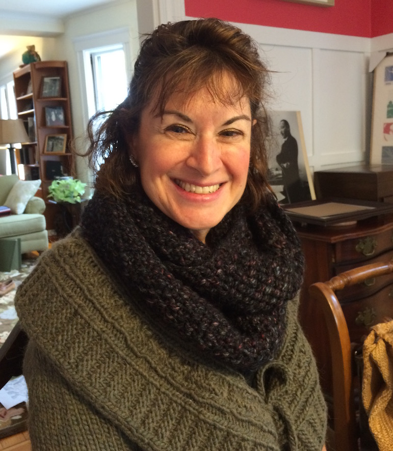 Tracy wearing gaptastic seed stitch cowl
