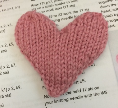 knit-heart-ornament