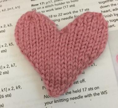 knit-heart-ornament