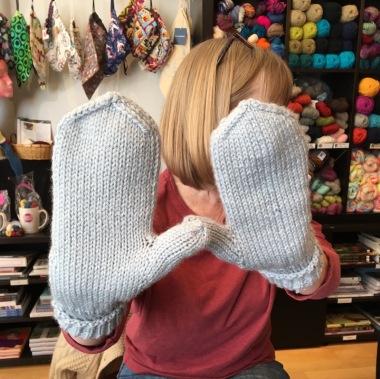 Jeanne-knit-mittens2