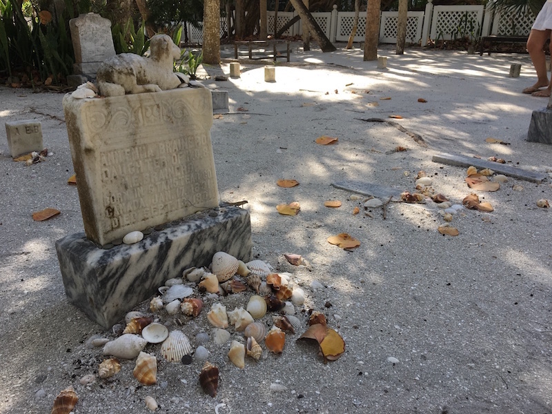 Captiva-cemetery2