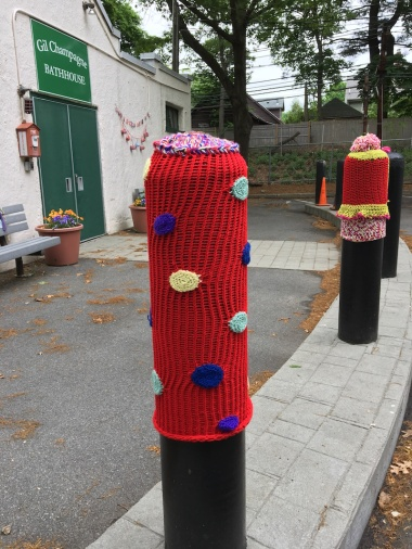 Lake-pillar-yarn-bomb